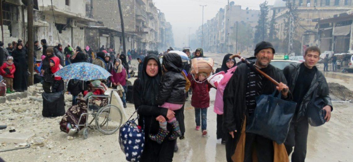 Síria: Leste de Aleppo, retirada de civis suspensa