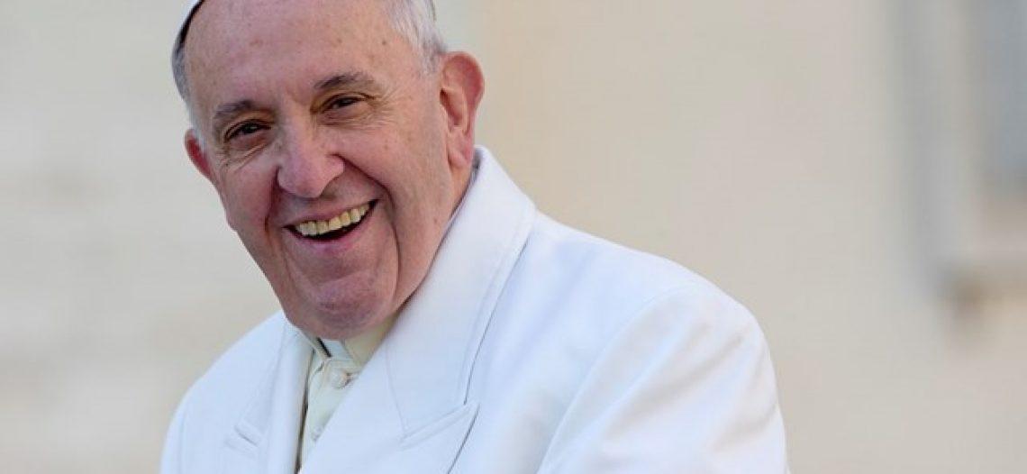 Papa completa 80 anos