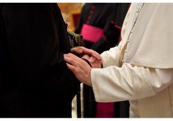 Papa aos Párocos: promoção e defesa do Sacramento do Matrimônio e da Família