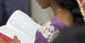 indian-woman-reading-bible