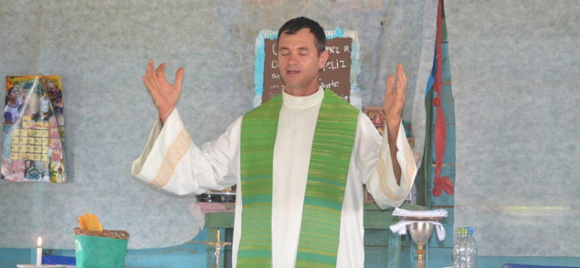 Padre missionário de Limeira (SP) no Alto do Solimões