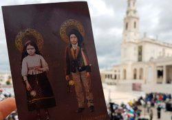 Pastorzinhos de Fátima, Francisco e Jacinta, são Santos