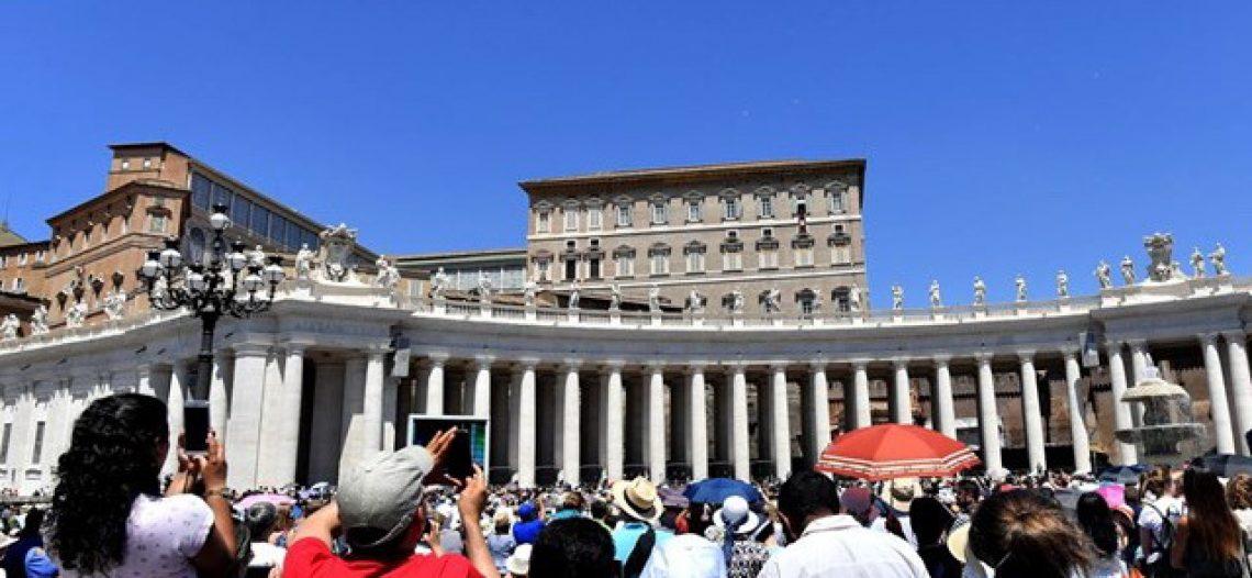 """Papa: """"a Eucaristia é sacramento da carne de Cristo"""""""