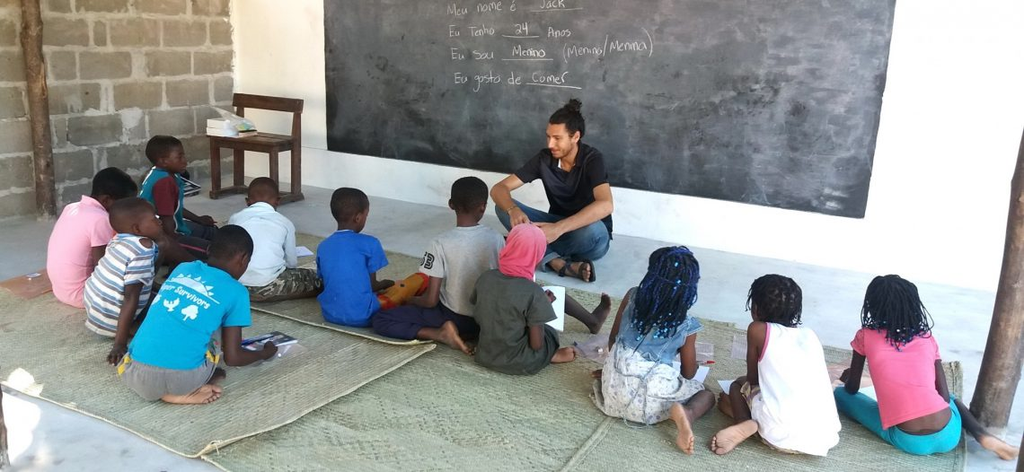 Moçambique: Equipe Missionária oferece reforço escolar para crianças