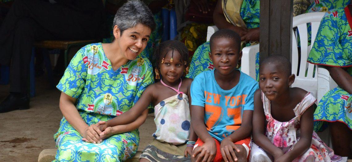 Missionária brasileira em missão na Costa do Marfim