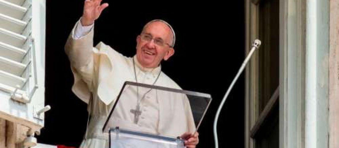 """""""Deus não exclui ninguém, no Reino há lugar para todos"""", diz Francisco"""