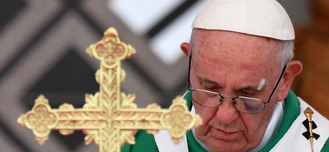 Missa pelos direitos humanos encerra visita de Francisco à Colômbia