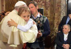 Papa em Bolonha: dinheiro, ruína para a vida consagrada