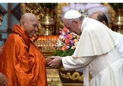 """Papa em Mianmar: """"Possam budistas e católicos caminharem juntos"""""""