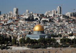"""Francisco pede """"sabedoria e prudência"""" sobre Jerusalém"""
