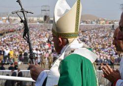Papa despede-se do Peru com mensagem de esperança