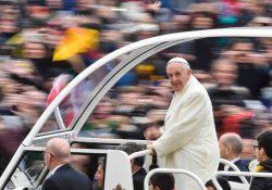 """""""Ouvido, coração e mãos: o itinerário da Palavra de Deus"""", diz Francisco"""