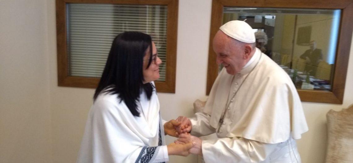 Ir. Irene Lopes encontra-se com o Papa Francisco