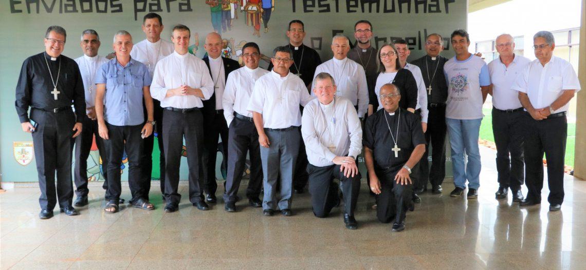 Novos bispos conhecem as POM