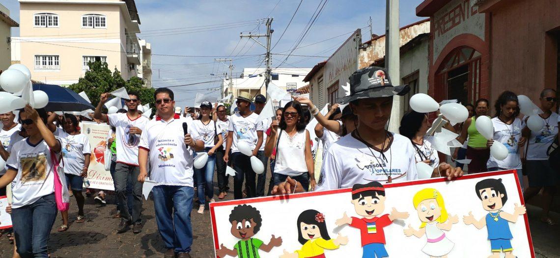 Missões populares mobilizam a comunidade