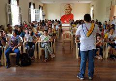 Assessores, adolescentes e crianças se reúnem para formação em Fortaleza