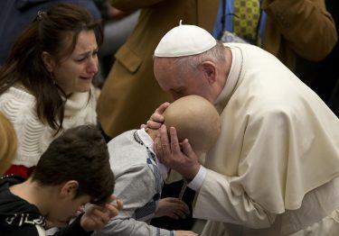 Francisco envia mensagem ao Dia Mundial do Enfermo