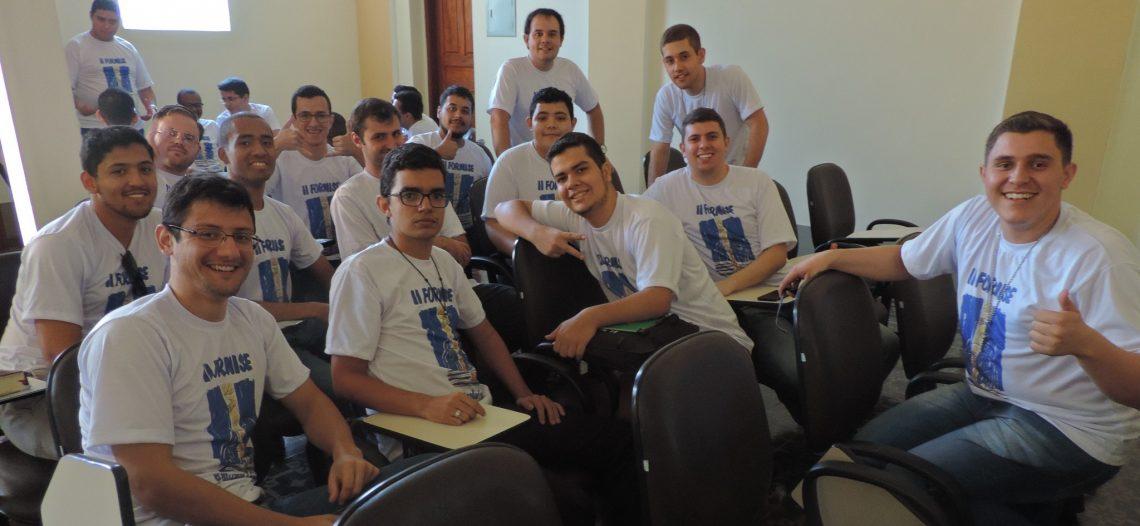 Seminaristas de Minas Gerais participam de formação missionária