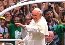 Papa aos jovens: Deus os ama e a Igreja necessita da juventude