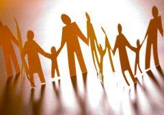 Dia Internacional das Famílias   A ternura do abraço