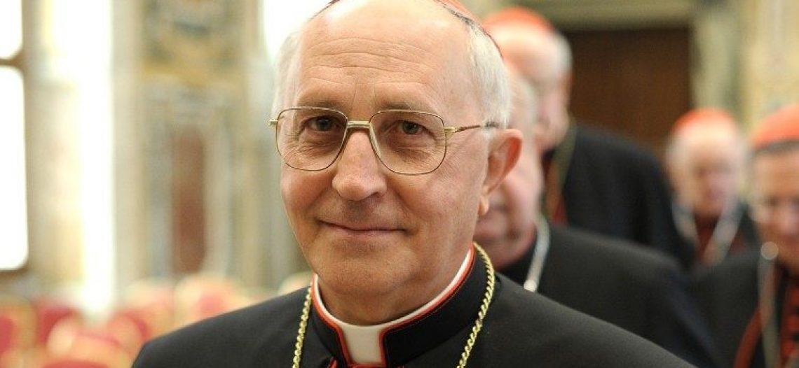Cardeal Fernando Filoni na Assembléia das POM