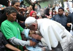 """Papa: """"a promoção dos pobres não é um compromisso extrínseco ao anúncio do Evangelho"""""""