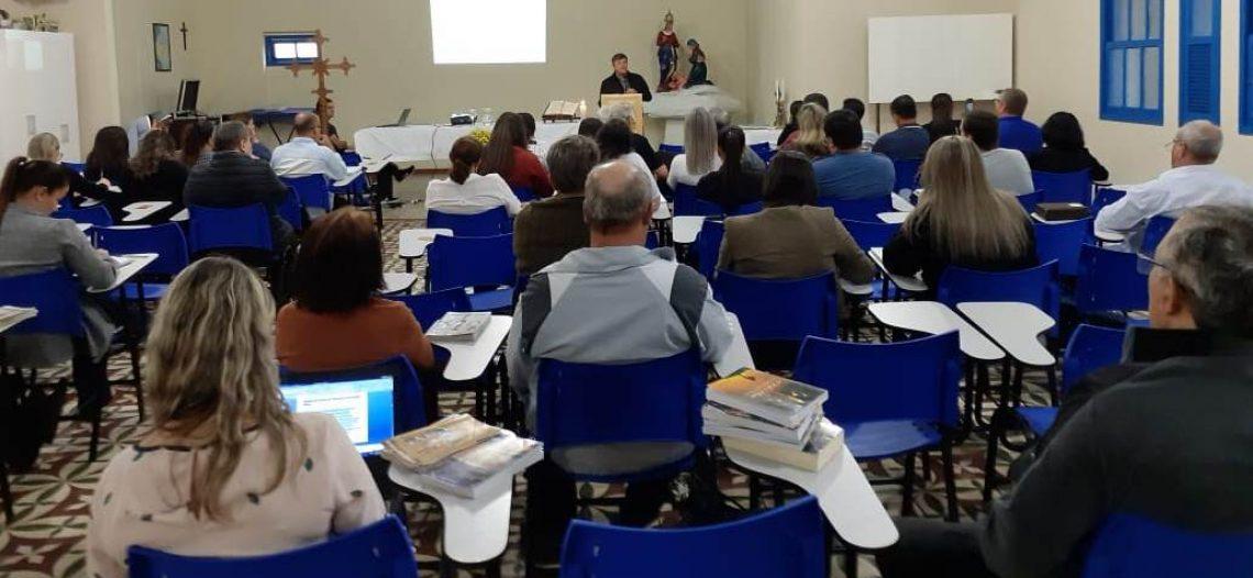 Diocese de Criciúma (SC) realiza formação missionária com acadêmicos de Teologia