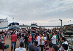 Seminaristas embarcam para a cidade de Beruri (AM)