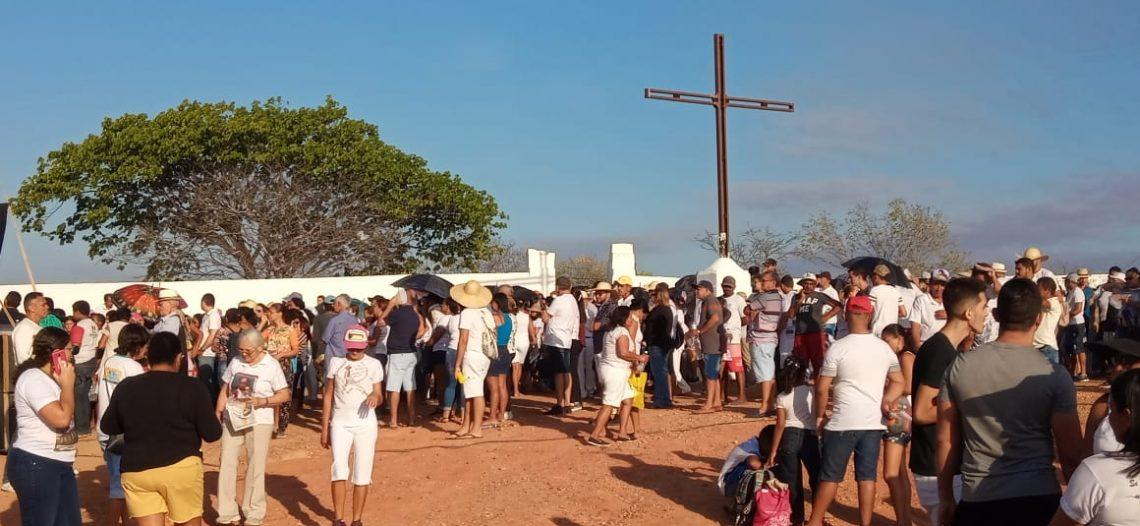 Juventude Missionária participa da Caminhada da Seca
