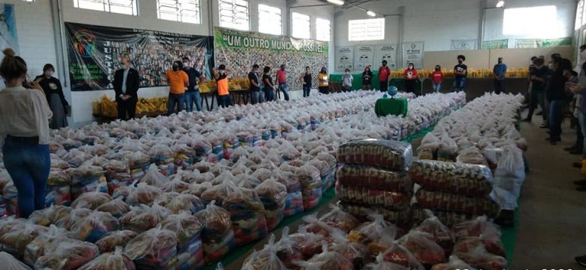 Cáritas Brasileira doa cestas básicas para famílias em vulnerabilidade social