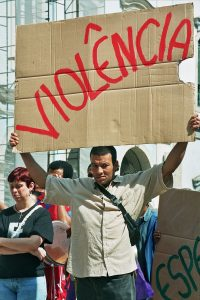 13 violencia03_foto Luciney Martins