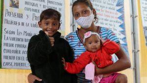 Refugiados-e-migrantes-venezuelanos-que-estudam-portugues-para-construir-seu-futuro-no-Brasil_galeria2-894x504