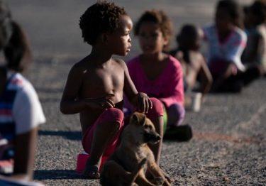 África do Sul: O drama das crianças migrantes apátridas